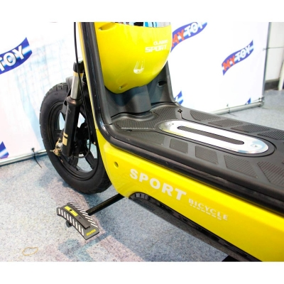 Удобная опора для ног электротрицикла 48В Mytoy 500D